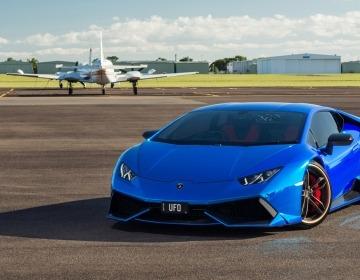 Австралийцы нарядили Lamborghini Huracan в синий хром