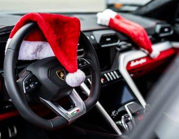 Lamborghini Urus & LM002: поездка на рождественскую елку