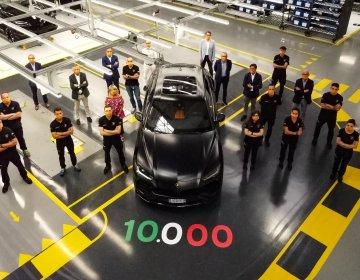 Lamborghini сошёл десятитысячный Urus