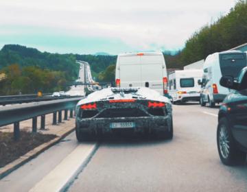 Lamborghini Avantador SVJ Roadster