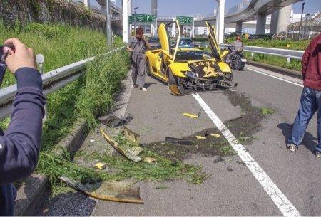 В Токио разбили Lamborghini Diablo