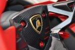 Рулевые переключатели на Lamborghini Sesto Elemento