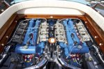 Каждый двигатель мощностью 350 л.с. (261 кВт), который позволил сделать лодки Riva Aquarama самыми быстрыми в линейке лодок Riva, сумев достичь максимальной скорости в 48 узлов, тогда как стандартные версии развивали скорость лишь в 40 узлов .
